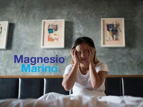 Donna che soffre di insonnia a causa della menopausa